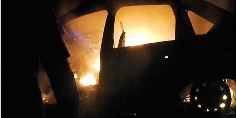 carro pega fogo após acidente